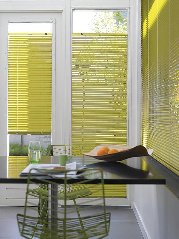 innenjalousie howalux gmbh jalousien markisen und. Black Bedroom Furniture Sets. Home Design Ideas
